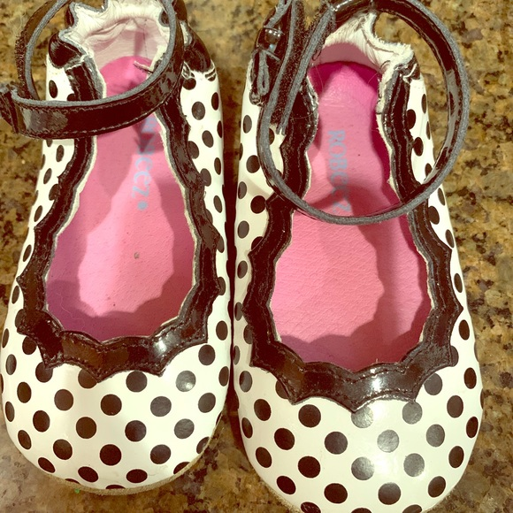 Robeez Other - Robeez 12/18 month mini sole shoes